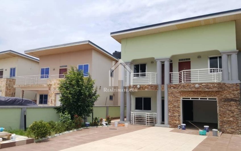 A 4-bedroom house at Adjiriganor for sale.