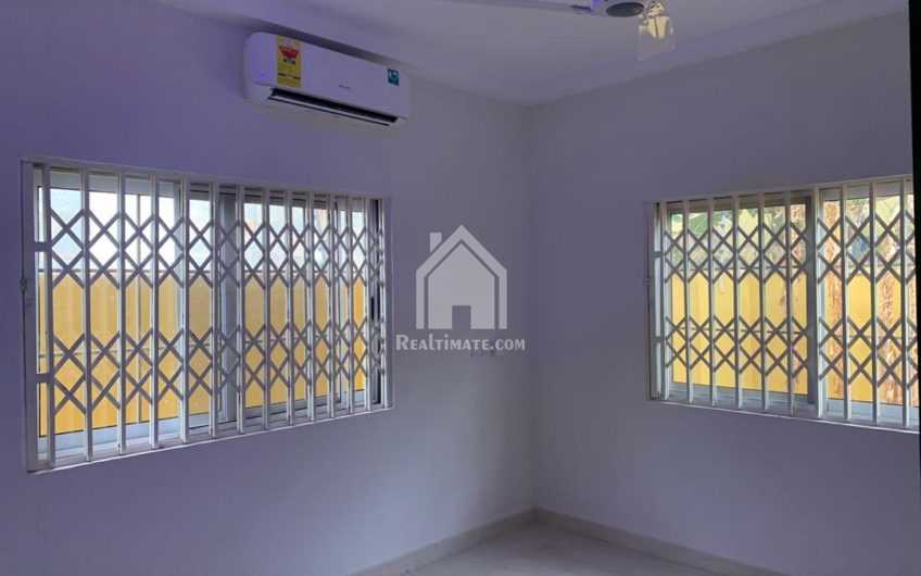 3 bedrooms house for rent at Botwe near star bite