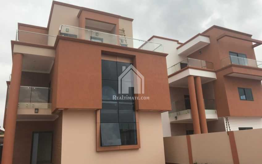 5bedrooms house for rent at east legon