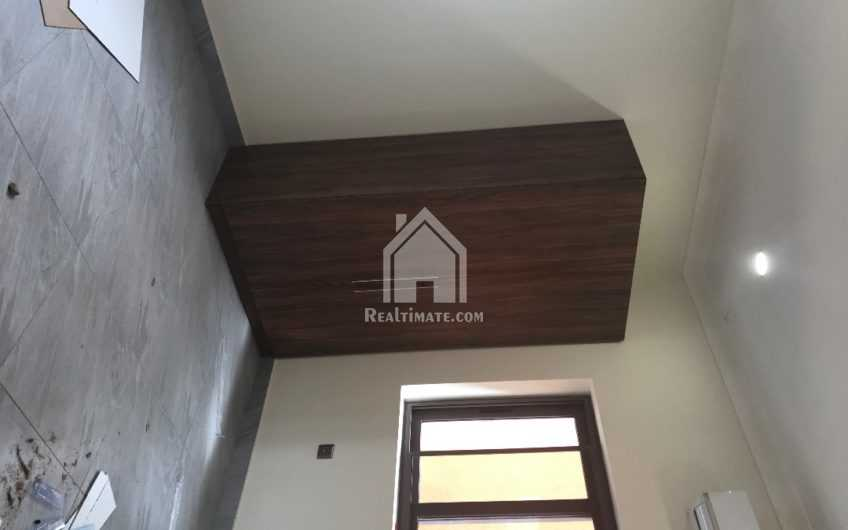 4 bedrooms house for sale at east Legon Obgojo