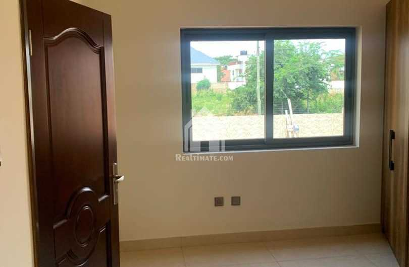 5 bedrooms house for sale at east legon adjiringanor
